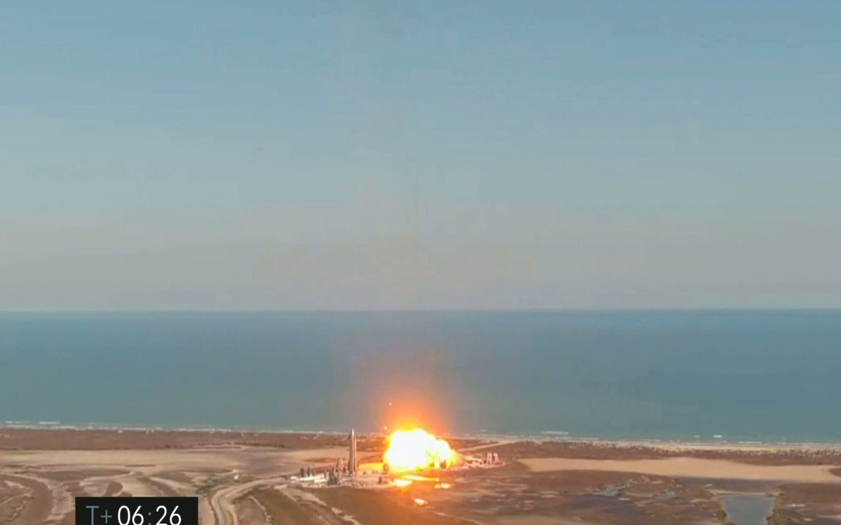 Un prototype de Starship s'écrase à l'atterrissage