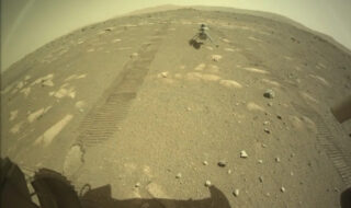 Mars : déposé au sol par Perseverance, l'hélicoptère Ingenuity est prêt à effectuer son premier vol