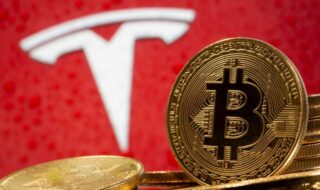 Tesla n'accepte plus le Bitcoin pour des raisons écologiques, le cours s'effondre