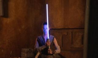 Star Wars : Disney dévoile enfin son sabre laser à lame rétractable