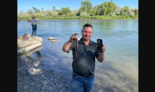 Son iPhone reste en vie après trois jours dans une rivière