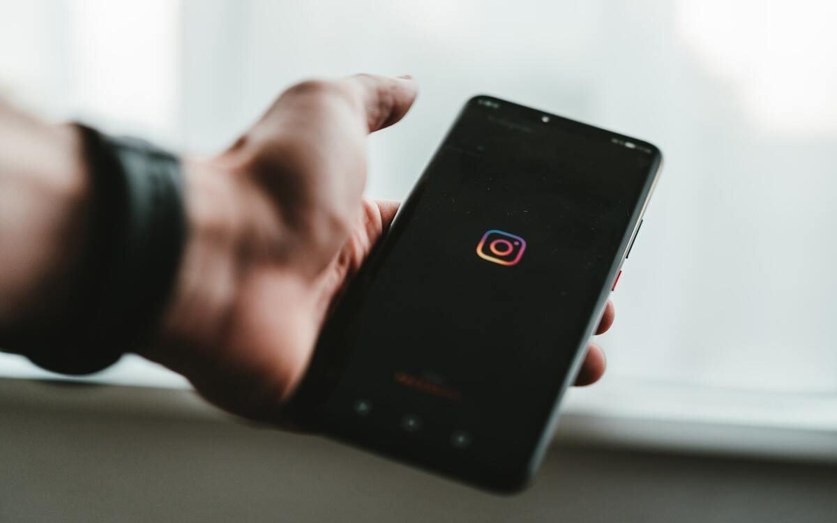 Instagram : comment activer le dark mode