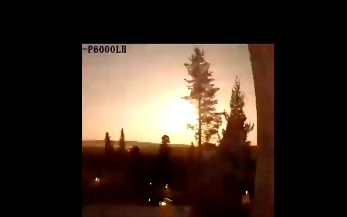 Une météore dans le ciel