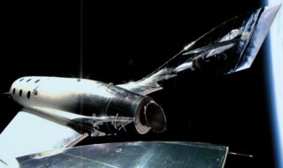 Virgin Galactic : Richard Branson veut partir avant Jeff Bezos