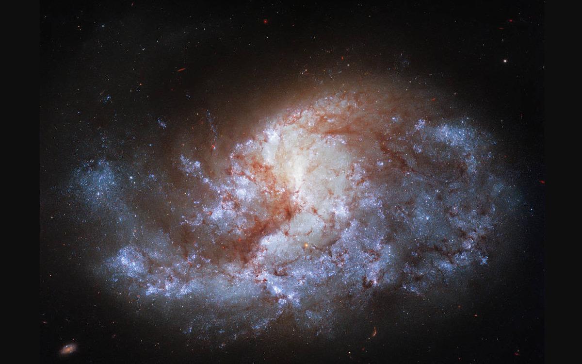La galaxie NGC 1385 capturée par Hubble