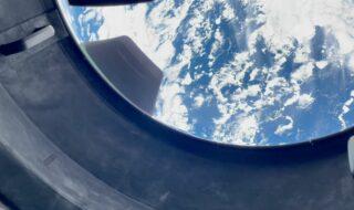 SpaceX : ébahi, l'équipage d'Inspiration4 découvre la Terre depuis le hublot de Crew Dragon (vidéo)