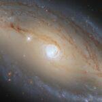 NASA Hubble NGC 5728